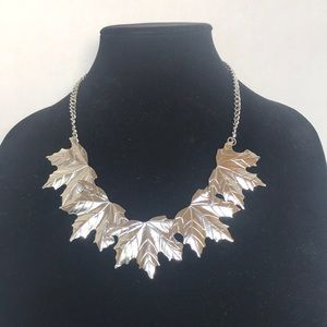 Gorgeous Silver Toned Leaf Necklace